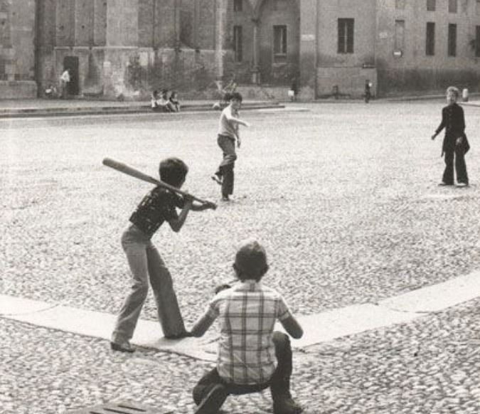 [cml_media_alt id='3002']baseball in piazza[/cml_media_alt]