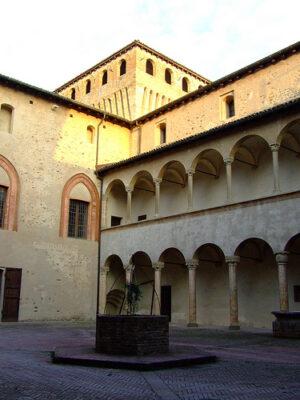 Cour d'honneur Château de Torrechiara