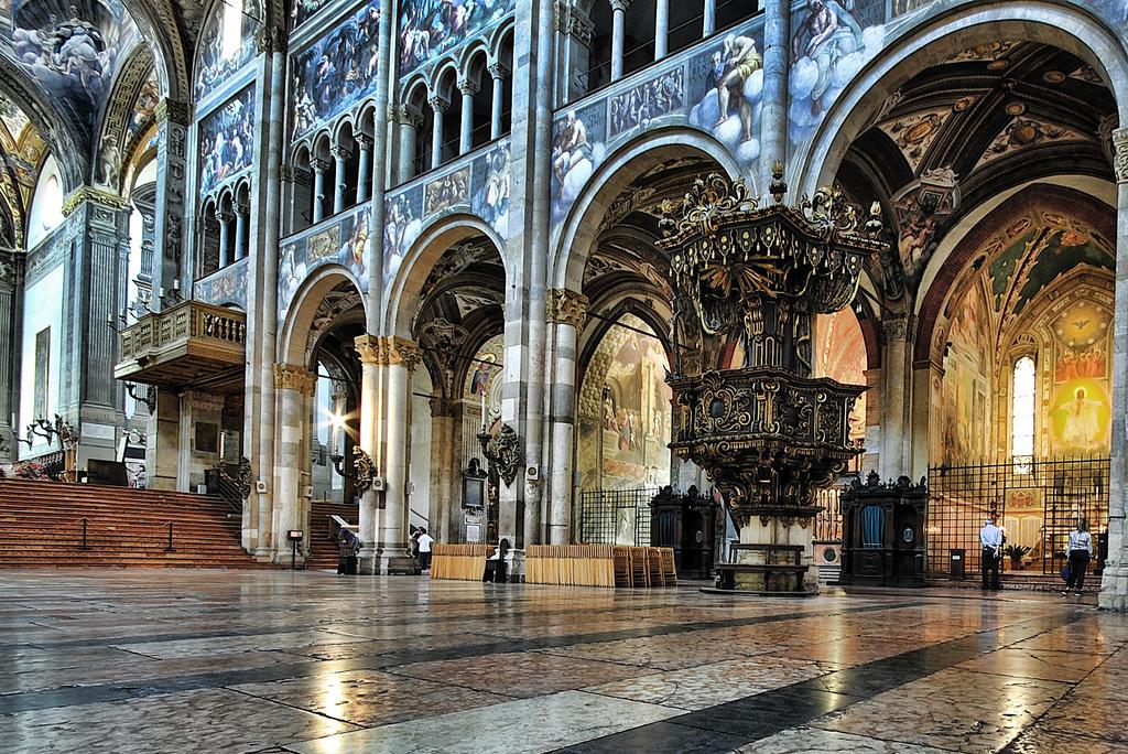 [cml_media_alt id='2958']Interno della Cattedrale di Parma[/cml_media_alt]