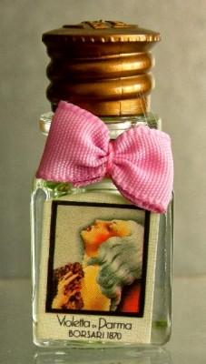 Fonte: www.miniatureperfumesociety.com