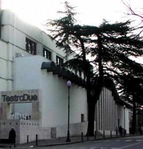 Voir l'entrée du Teatro Due